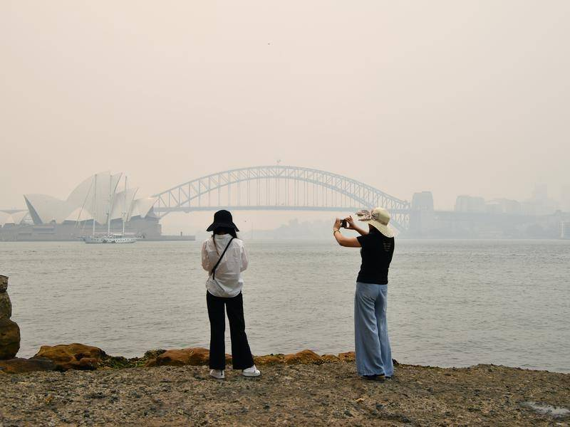 With no end in sight for drought, fires and smoke over NSW, locals are praying for rain in 2020.
